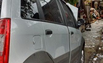 Fiat idéia com pedais de freios baixos